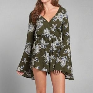 Abercrombie &Fitch green Floral Bell Sleeve Romper